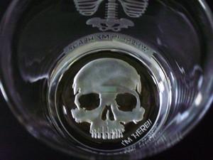 Skull_glass2